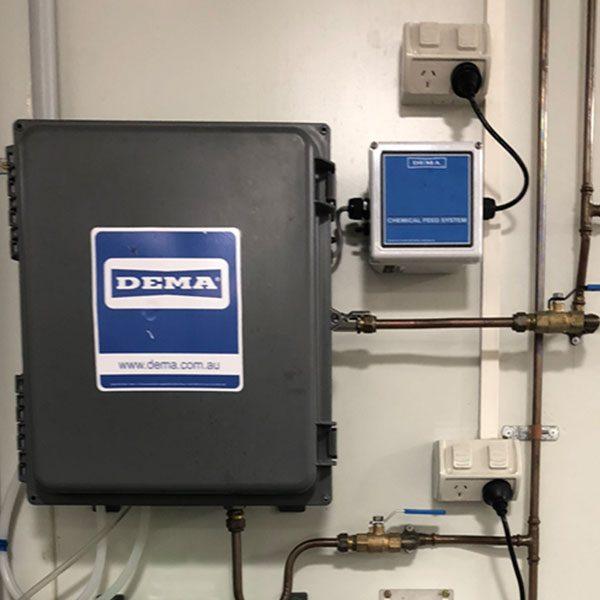 900-DS4-Dorway--foaming-dispenser-installed-dalcon-hygiene