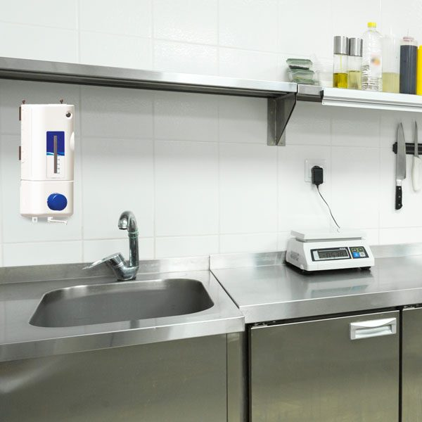 Sink filling dispenser in commercial kitchen